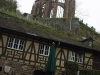 Bacharach-courtyard-of-pub-with-ruined-werner-kapelle-above